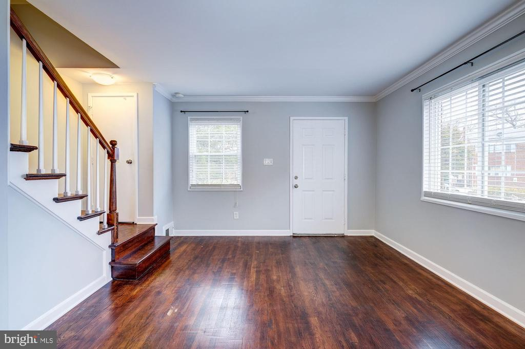 Living Room - Hardwoods & Big Windows! - 4405 VERMONT AVE, ALEXANDRIA