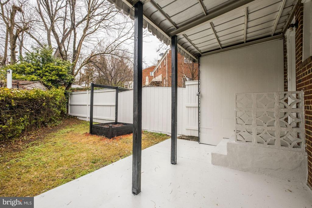 Patio at Back Yard - Perfect for Entertaining! - 4405 VERMONT AVE, ALEXANDRIA
