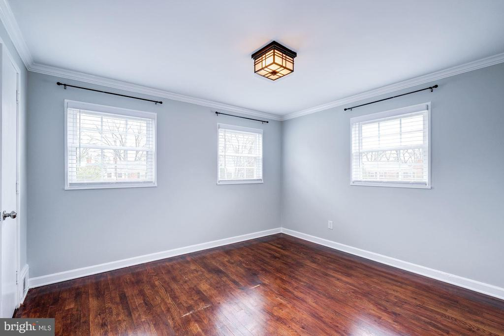 Master Bedroom - Receives Abundance of Sunlight! - 4405 VERMONT AVE, ALEXANDRIA
