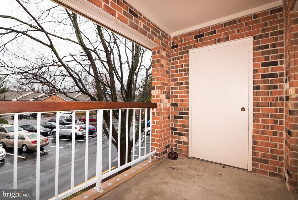 Balcony off living room - 5934 COVE LANDING RD #301C, BURKE