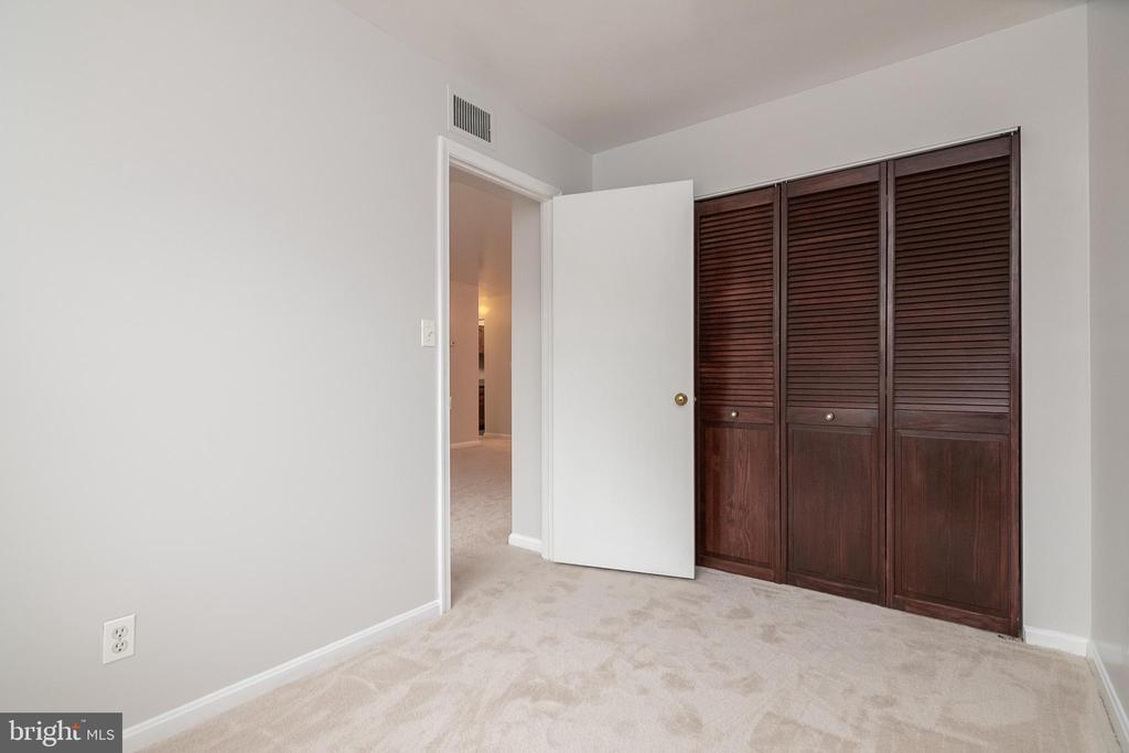 closet in second bedroom - 5934 COVE LANDING RD #301C, BURKE