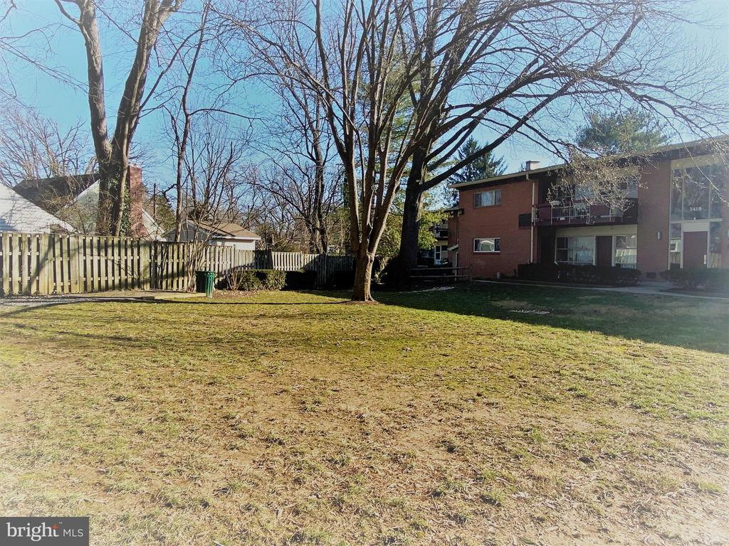 Park-Like Exterior View - 3419 UNIVERSITY BLVD W #102, KENSINGTON