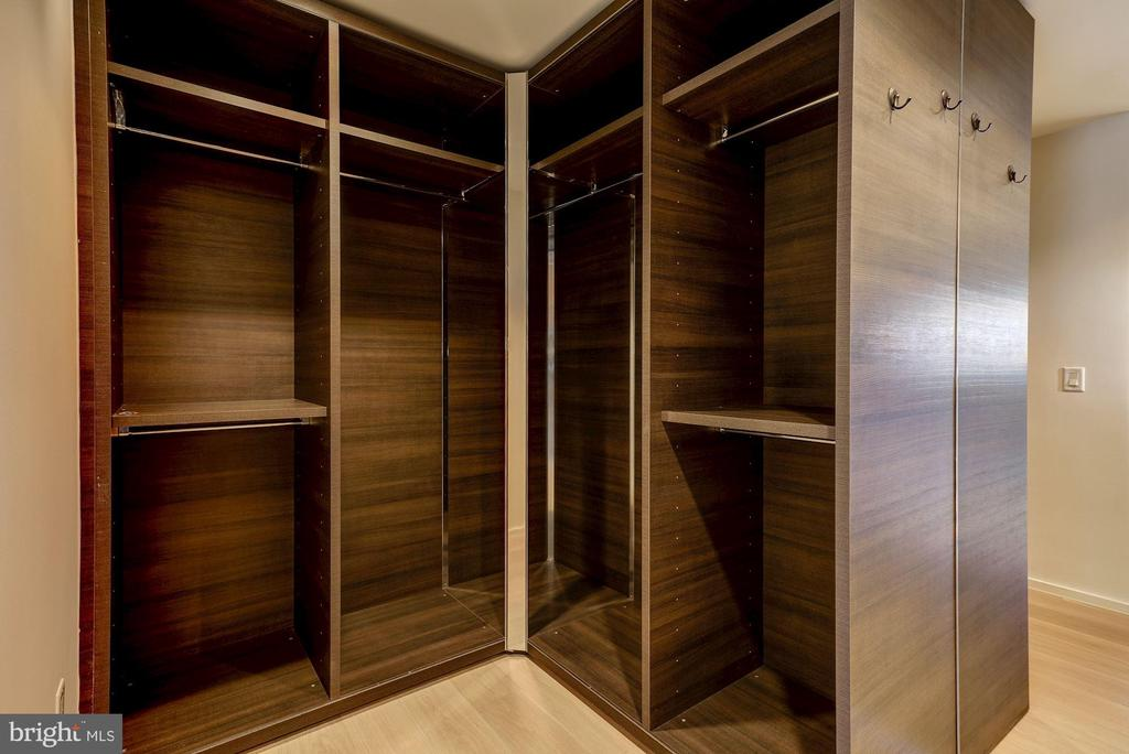 Master Walk-In Closet - 920 I ST NW #702, WASHINGTON