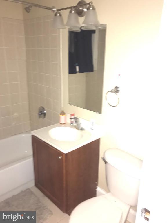 Bathroom - 2841 GAINESVILLE ST SE #103, WASHINGTON