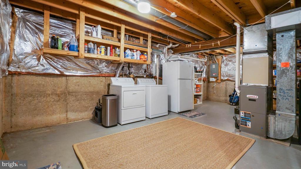 Newer HVAC and H/W heater in basement - 13 MEADOWGATE CIR, GAITHERSBURG