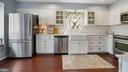 Large kitchen with farm sink and s/s appliances - 13 MEADOWGATE CIR, GAITHERSBURG