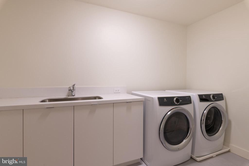 Spacious Laundry Room with Ample Storage Spaces - 2660 CONNECTICUT AVE NW #5C, WASHINGTON