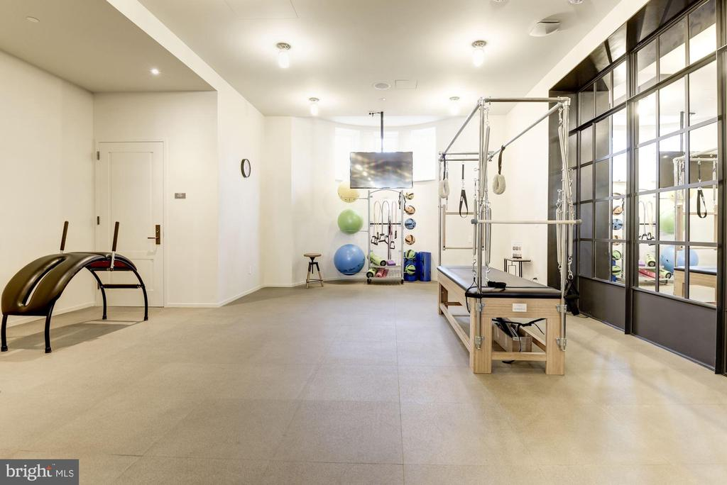Owners' Private Yoga and Pilates Studio - 2660 CONNECTICUT AVE NW #5C, WASHINGTON