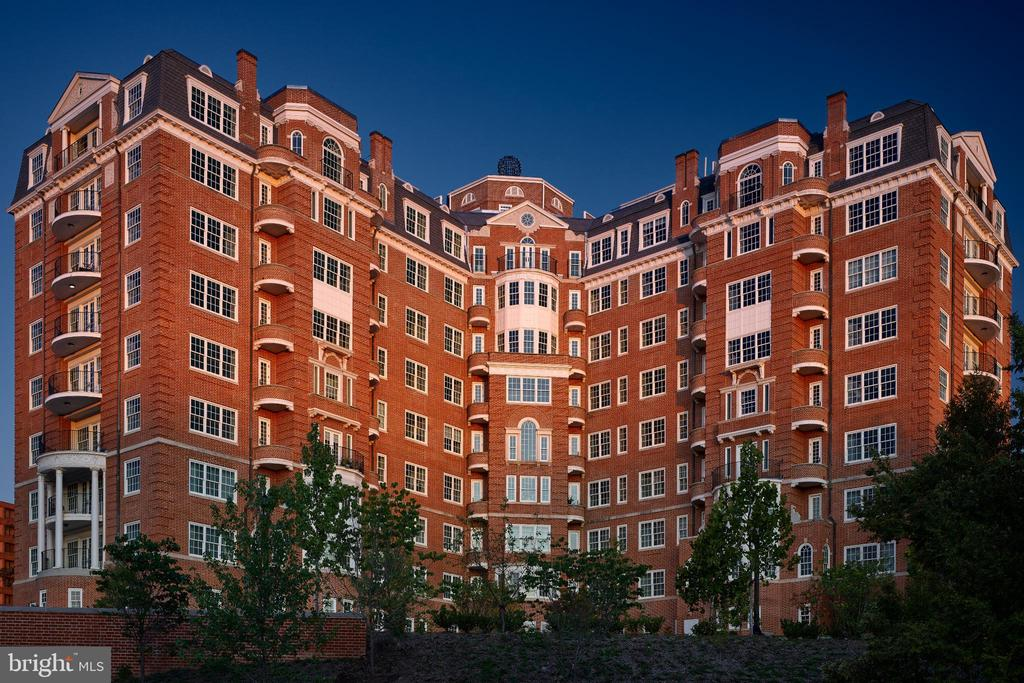 The Pinnacle of Luxury Living in DC - 2660 CONNECTICUT AVE NW #5C, WASHINGTON