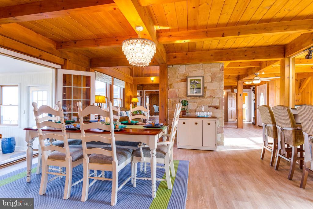 Open floor plan is great for entertaining! - 15798 LANCASTER FARM RD, NEWBURG