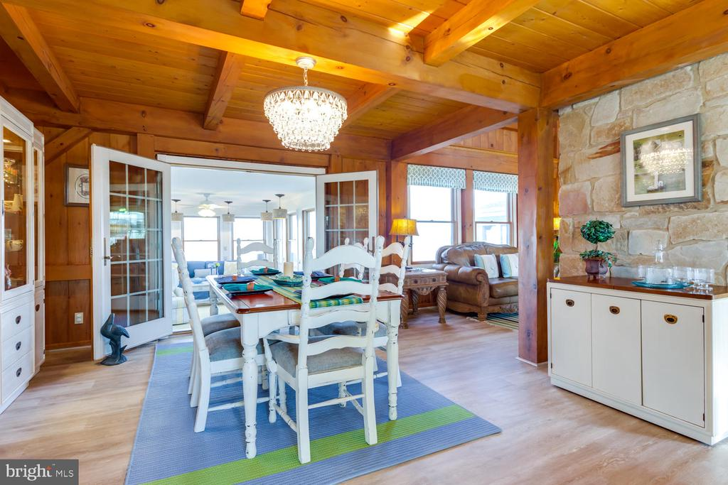 Sun- room is off dining area - 15798 LANCASTER FARM RD, NEWBURG