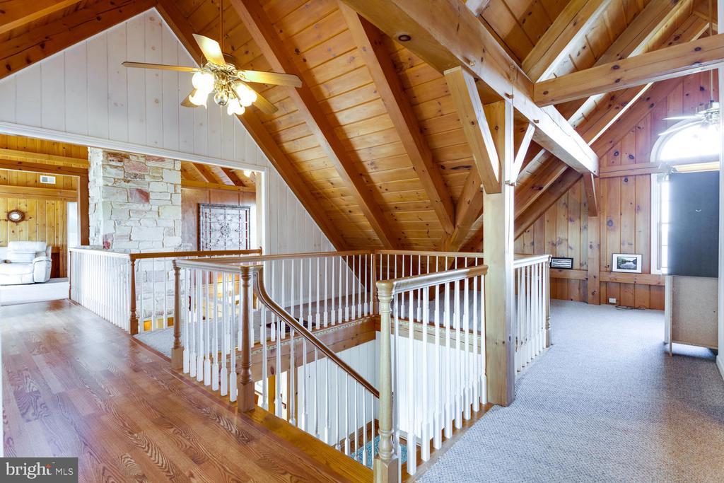 Second level hallway & stairway - 15798 LANCASTER FARM RD, NEWBURG