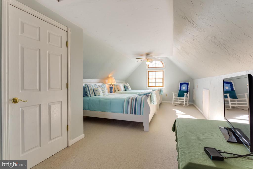 4th bedroom on upper level - 15798 LANCASTER FARM RD, NEWBURG