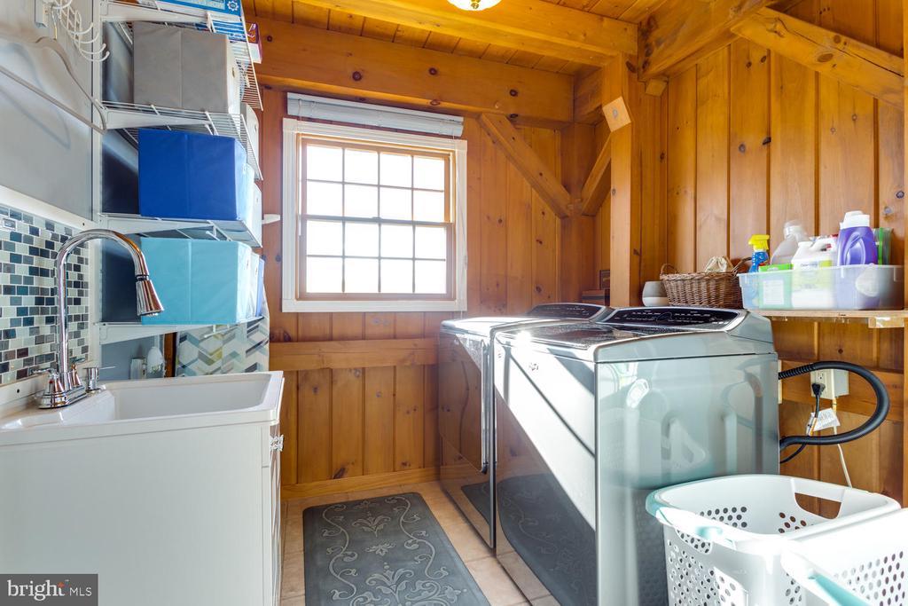 Laundry Room Main Level - 15798 LANCASTER FARM RD, NEWBURG