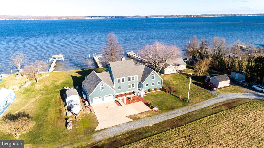 Everything you've wanted in a waterfront property! - 15798 LANCASTER FARM RD, NEWBURG