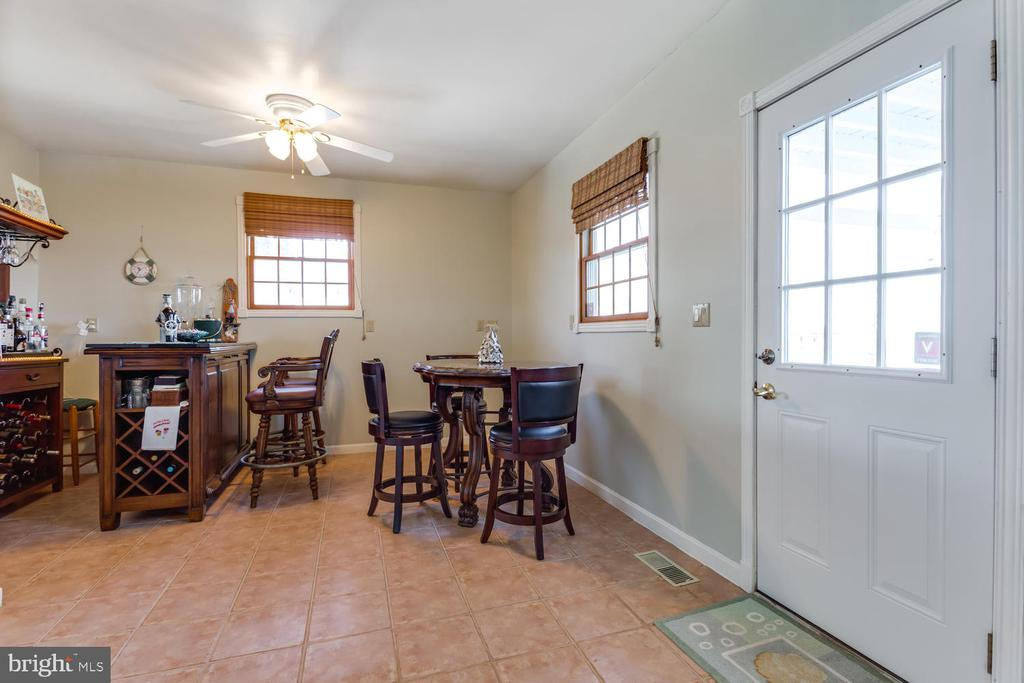 Den or Bar area / leads out to patio  & fire pit - 15798 LANCASTER FARM RD, NEWBURG