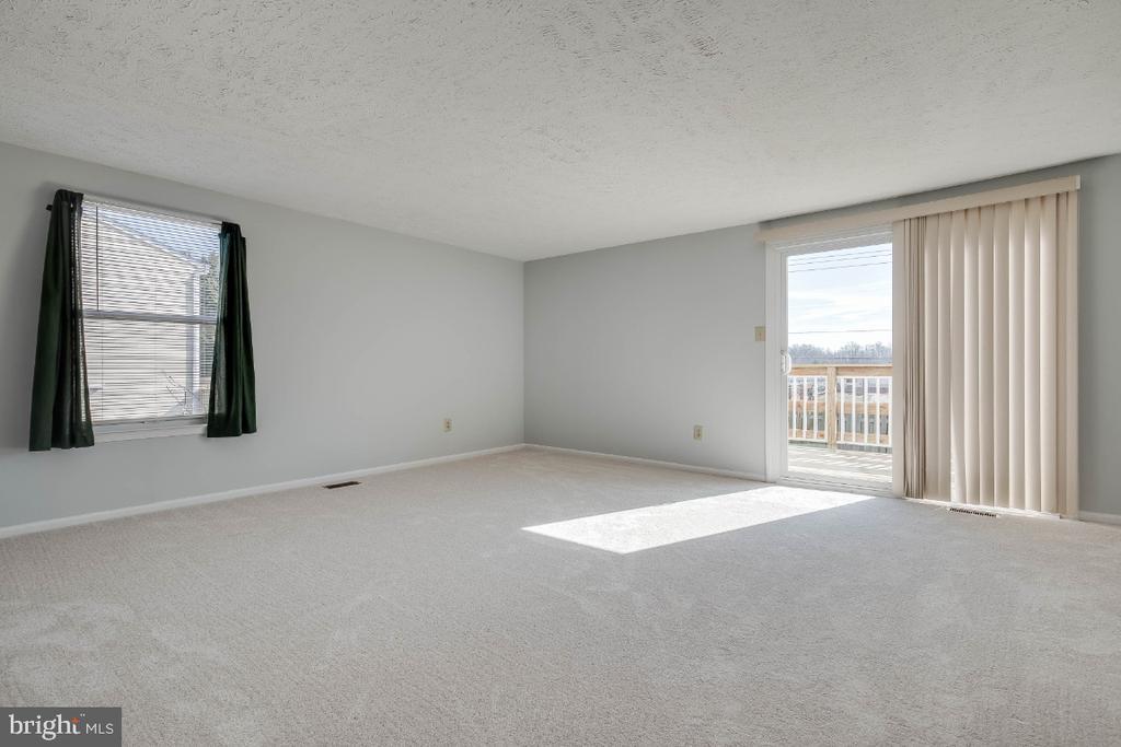 Bright and open family room - 1809 TILLETSON PL, WOODBRIDGE