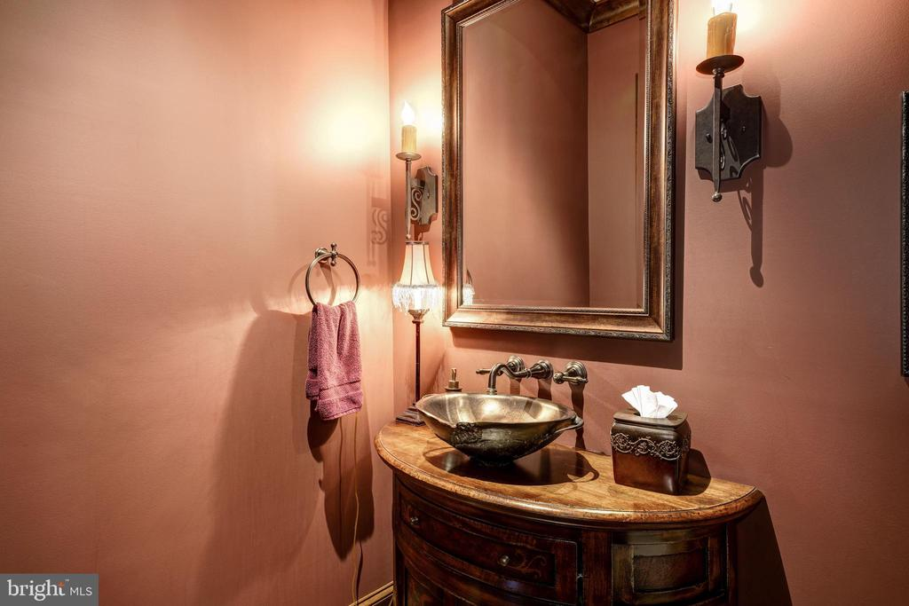 Formal Powder Room - 8001 OVERHILL RD, BETHESDA