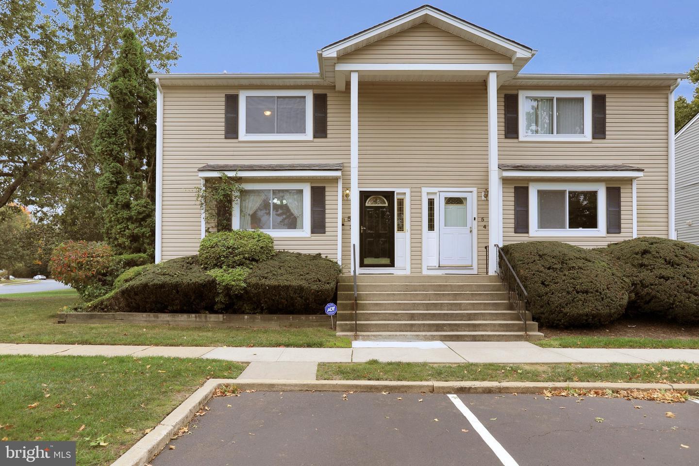 Single Family Homes для того Продажа на Dayton, Нью-Джерси 08810 Соединенные Штаты
