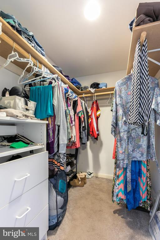 Walk-in Closet - 2468 MOUNT CARMEL RD, BLUEMONT