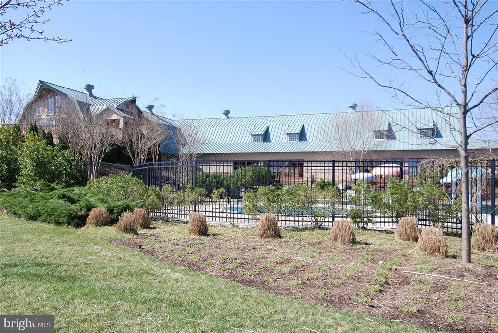 Potomac Club - 43168 HASBROUCK LN, LEESBURG