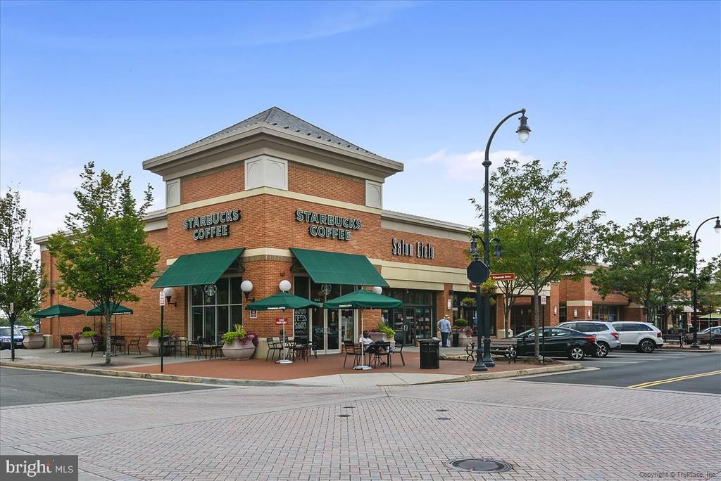 Lansdowne Town Center - 43168 HASBROUCK LN, LEESBURG
