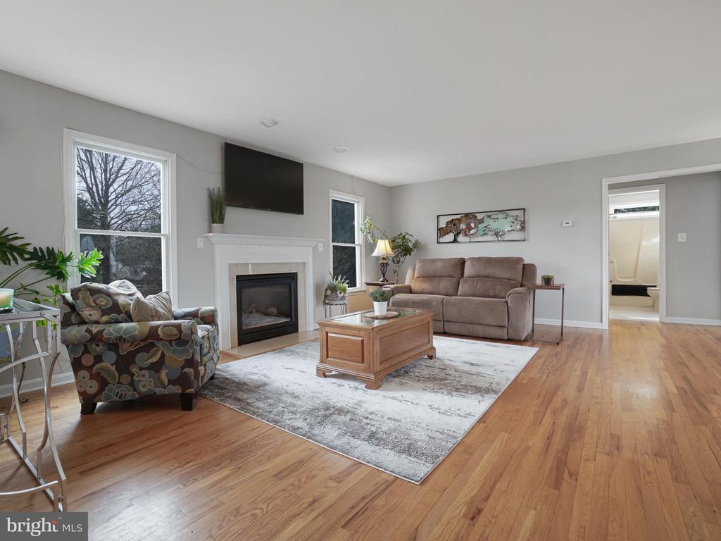 Family Room off Kitchen - 4803 TIMBER DR, MOUNT AIRY