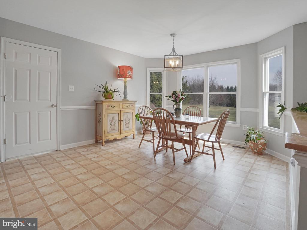 Breakfast Room - 4803 TIMBER DR, MOUNT AIRY