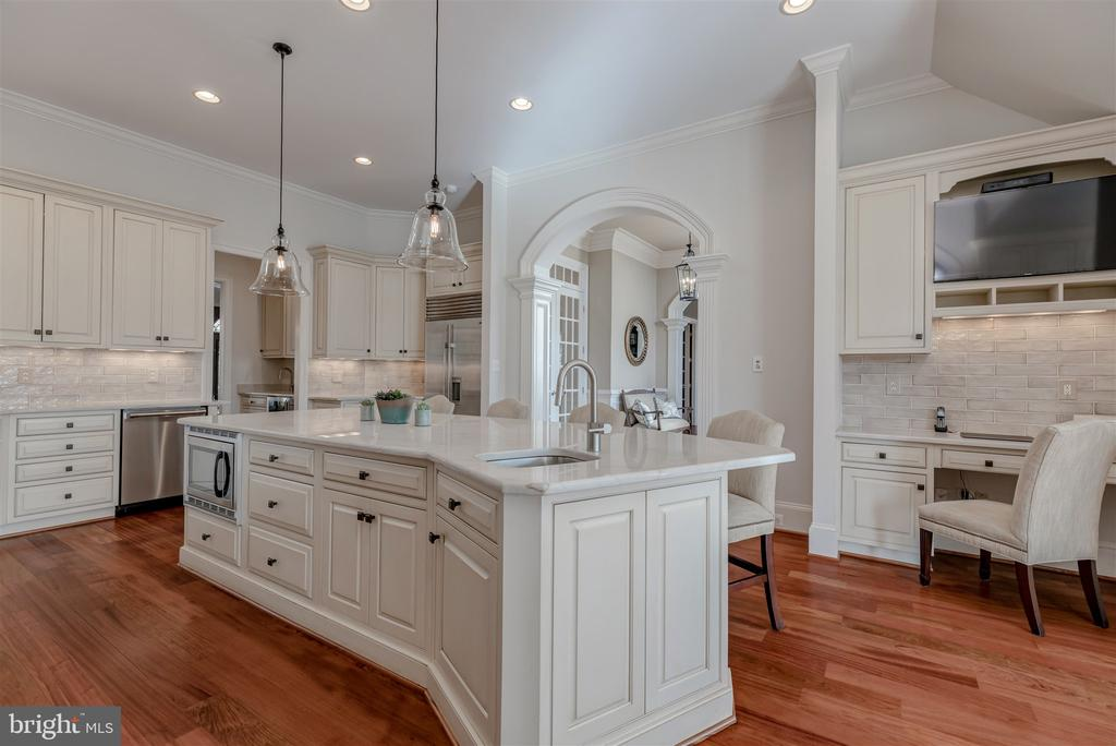 Newly Renovated Kitchen with Quartzite - 8429 BROOK RD, MCLEAN