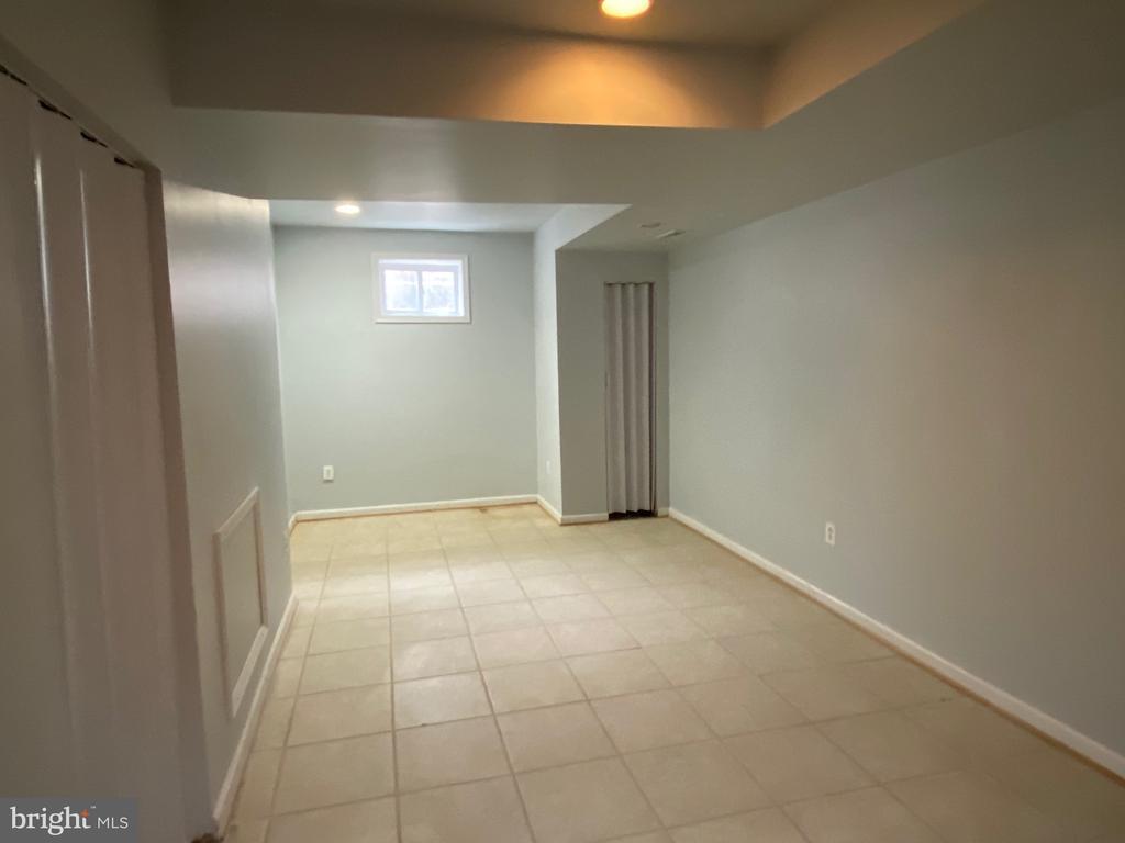 Den in basement - 4335 SHIRLEY GATE RD, FAIRFAX
