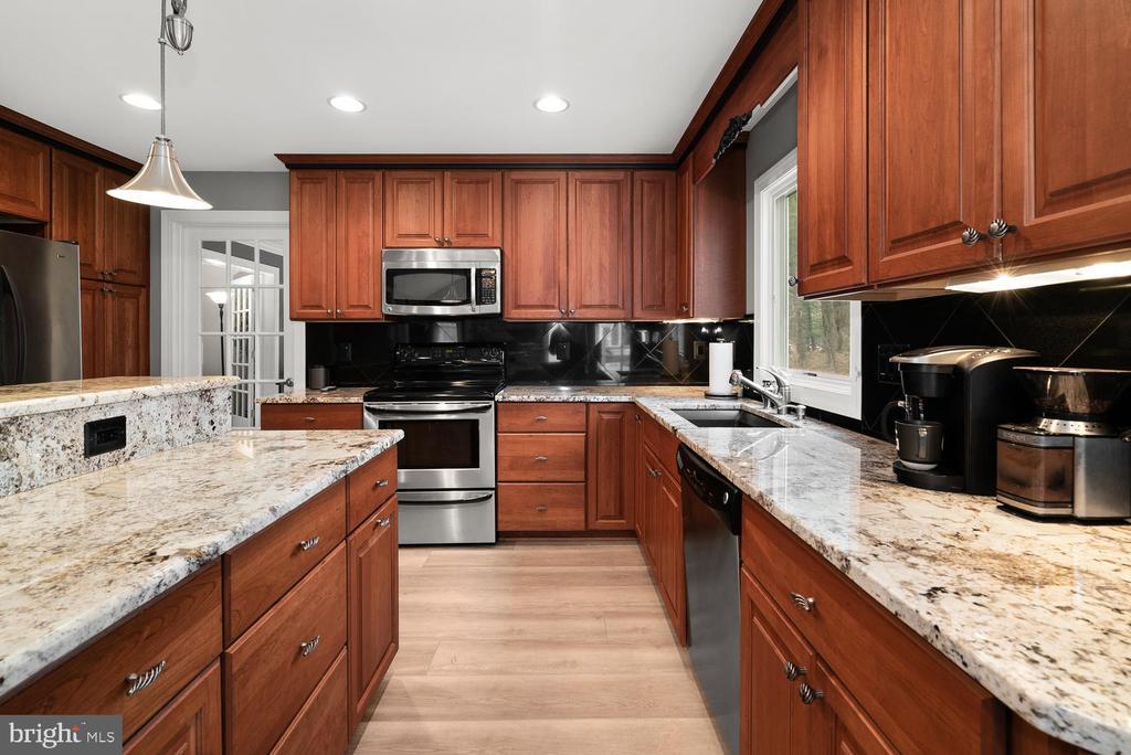 Kitchen - 17715 GLOBE THEATRE DR, OLNEY