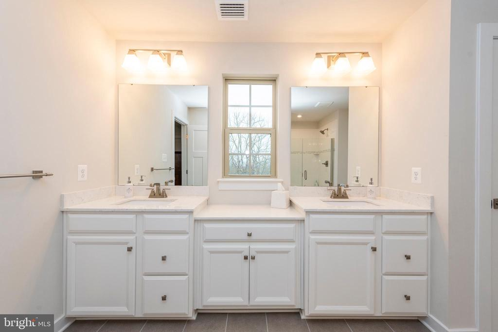 Owner's bathroom - 9689 AMELIA CT, NEW MARKET