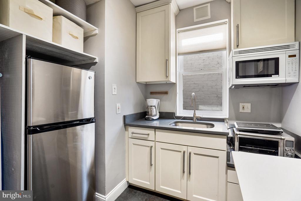 Unit #3 updated kitchen - 1932 15TH ST NW, WASHINGTON