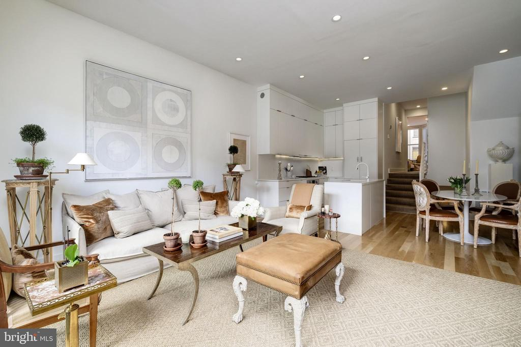 Bright Living Room - 930 FRENCH ST NW #1, WASHINGTON