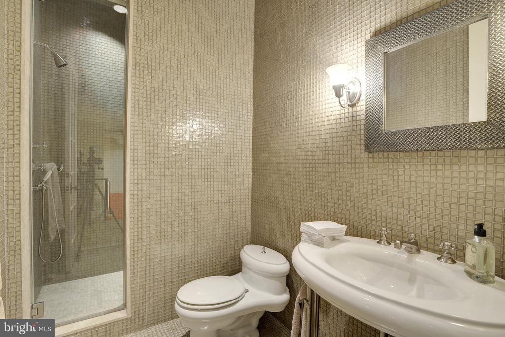 Seventh Full Bath - 5517 PEMBROKE RD, BETHESDA