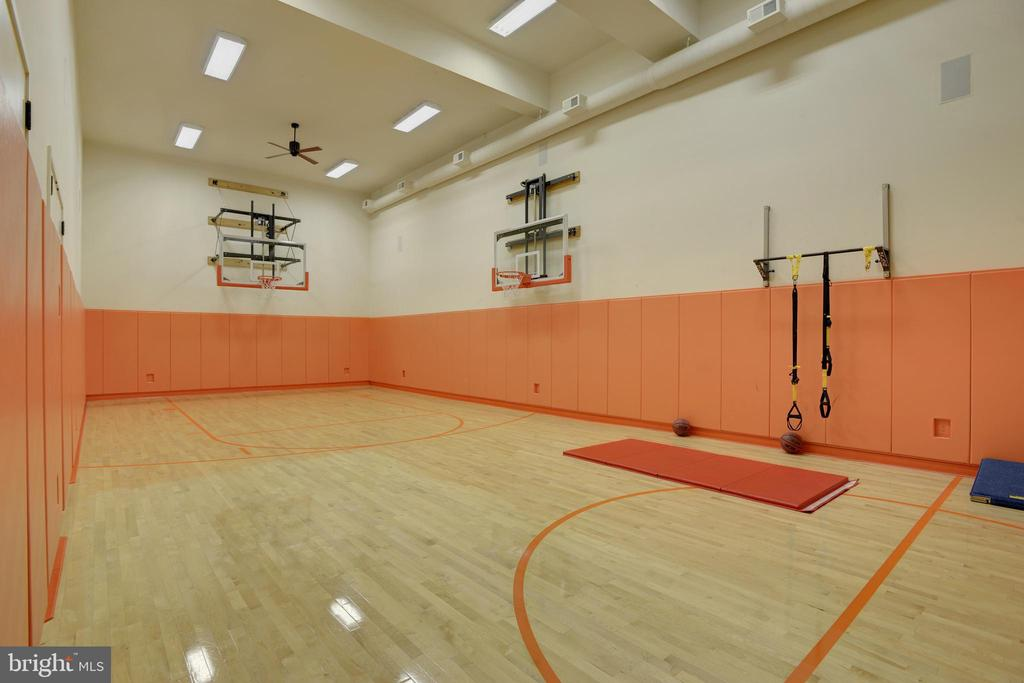 Sport Court - 5517 PEMBROKE RD, BETHESDA