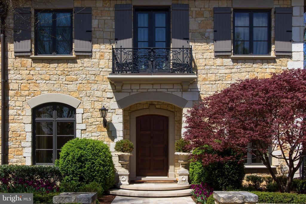 Homefront - 5517 PEMBROKE RD, BETHESDA