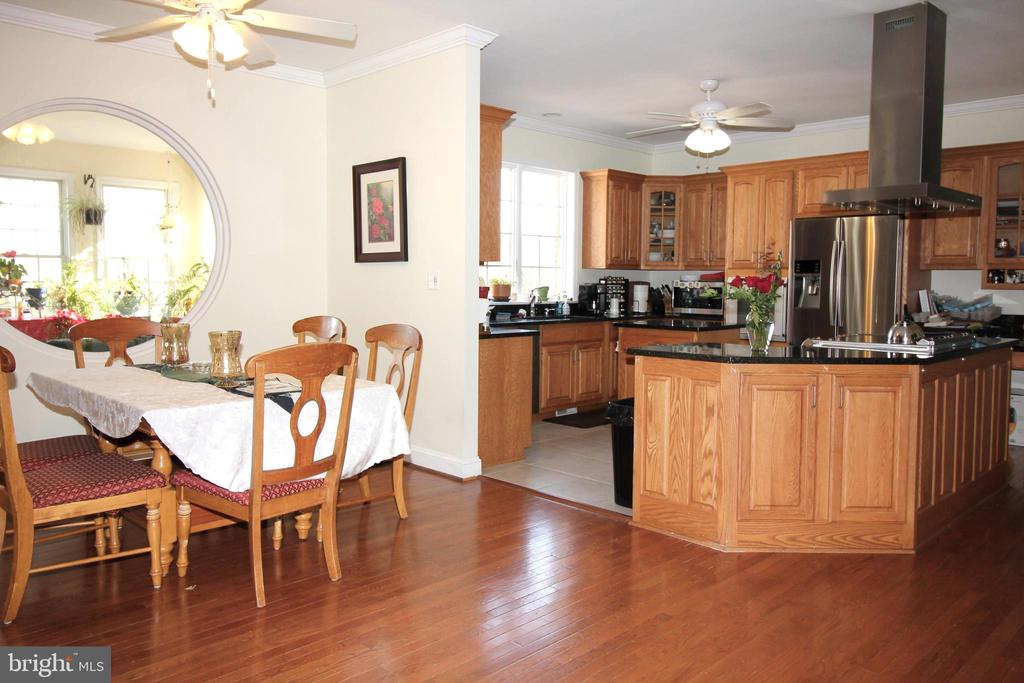 Kitchen and Dining - 39520 CHARLES TOWN PIKE, HAMILTON