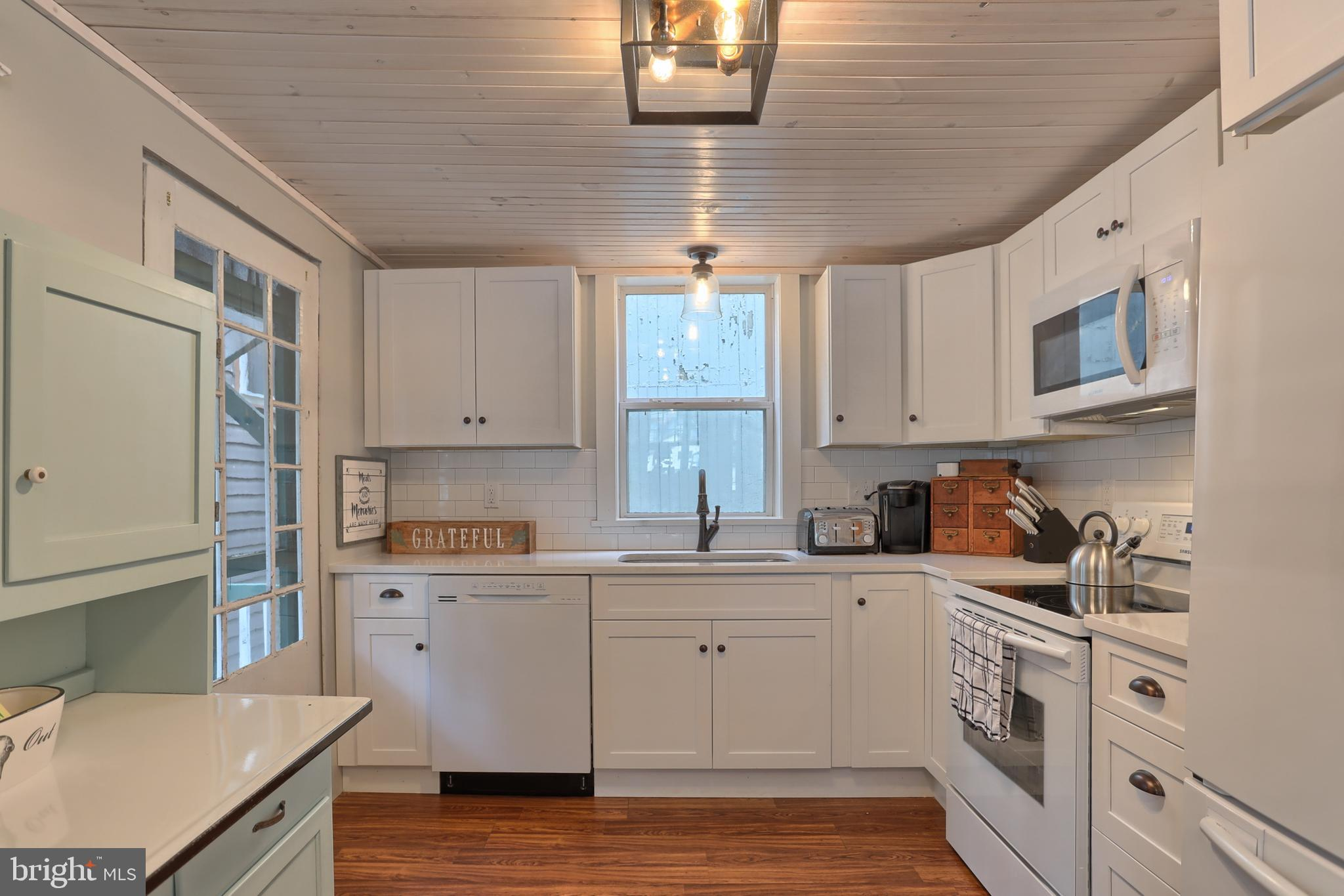 Dishwasher, Fridge, Stove and Microwave