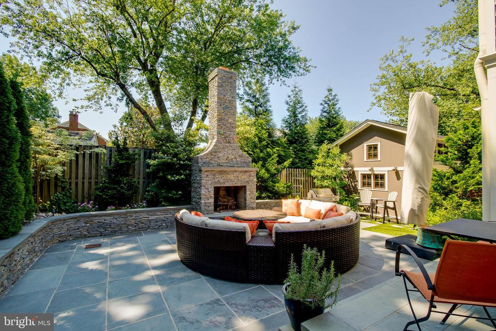 Fireplace and patio/ outside living area - 6308 26TH ST N, ARLINGTON