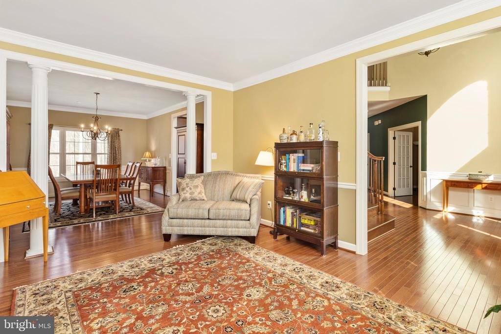 Formal Living Room - 8108 SPRUCE VALLEY LN, CLIFTON