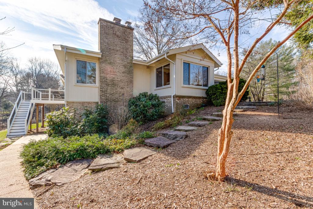 Landscaping with Rock Stairs and Mature Trees - 10907 WATERMILL CT, OAKTON