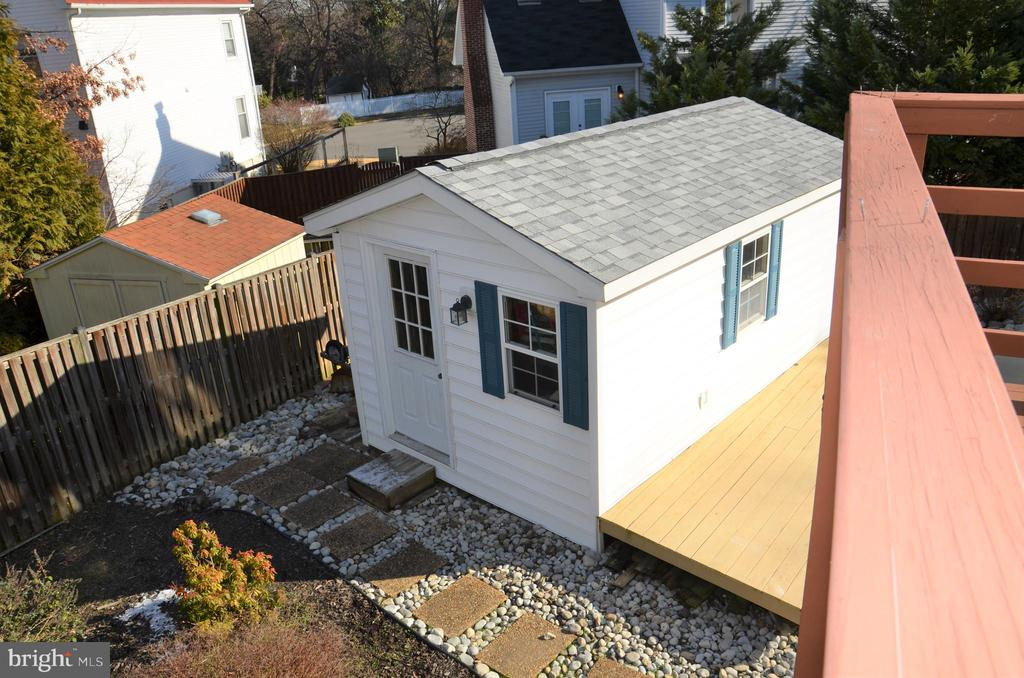 Shed for storage and pool equipment - 5827 WESSEX LN, ALEXANDRIA