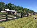 Willowford Farmstand - 41222 TRAMINETTE CT, ASHBURN