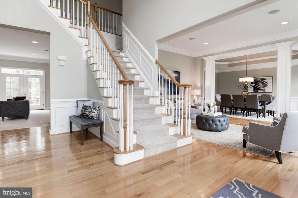 Open & Bright  10 Ft. Ceilings on Main Level - 12184 HICKORY KNOLL PL, FAIRFAX