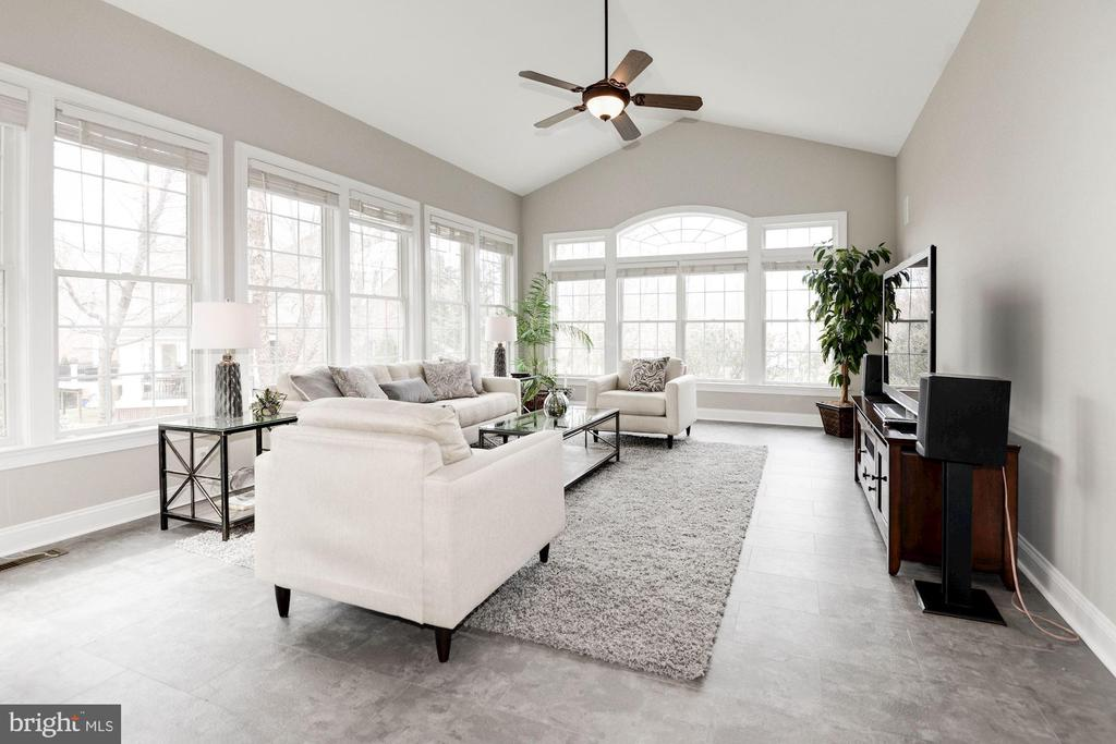 Sunroom w/Cathedral Ceiling - 12184 HICKORY KNOLL PL, FAIRFAX