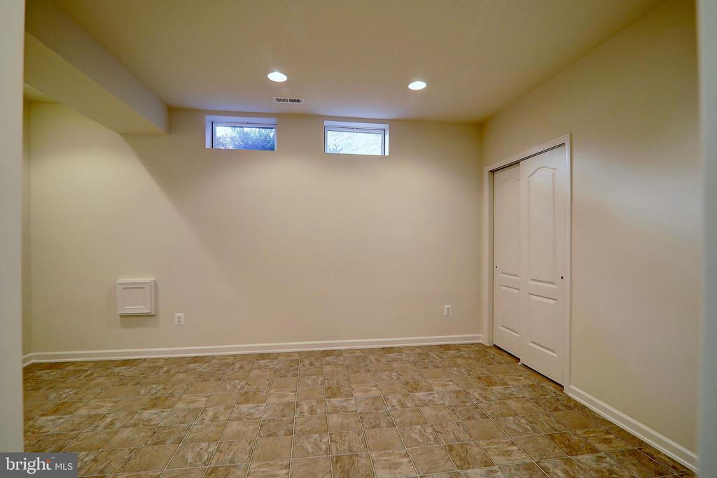 Potential Use as Pet Room or Home Brewing Room - 22960 CARTERS STATION CT, ASHBURN