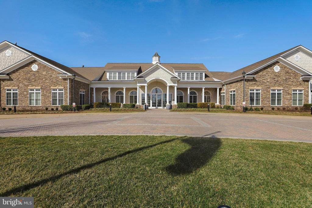 - 44406 ADARE MANOR SQ, ASHBURN