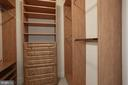 2 custom walk-in closets in owner's suite - 1201 N NASH ST #302, ARLINGTON