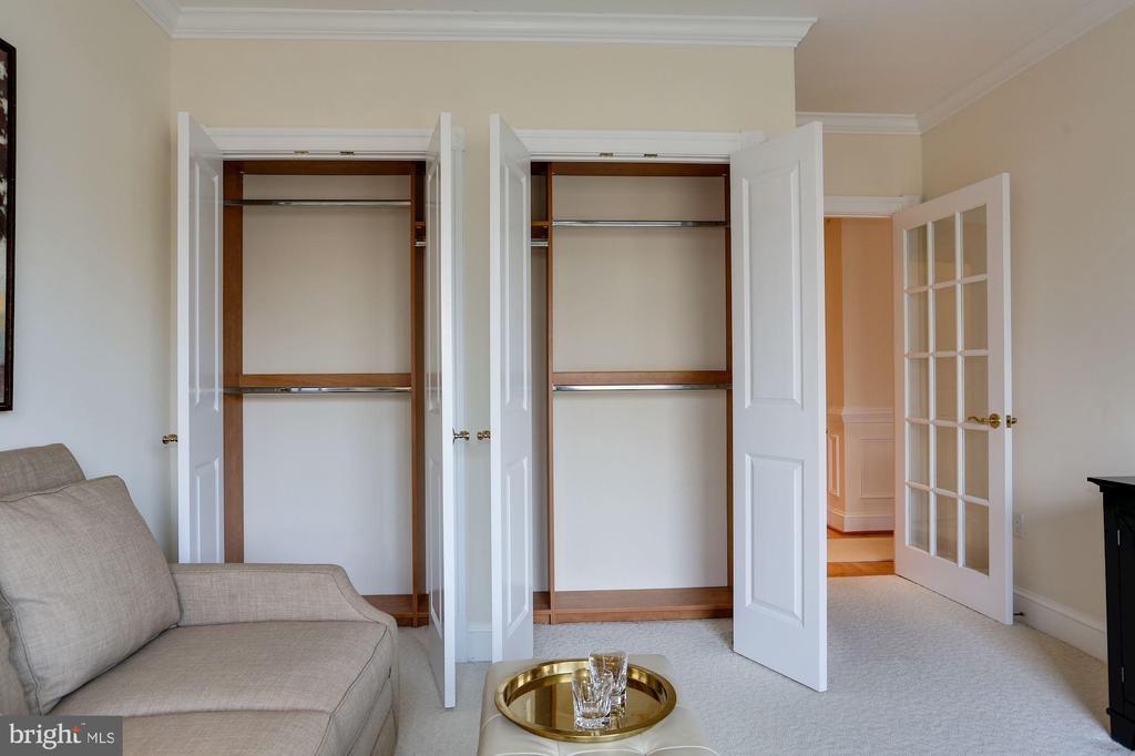 2nd bedroom has 2 closets - 1201 N NASH ST #302, ARLINGTON